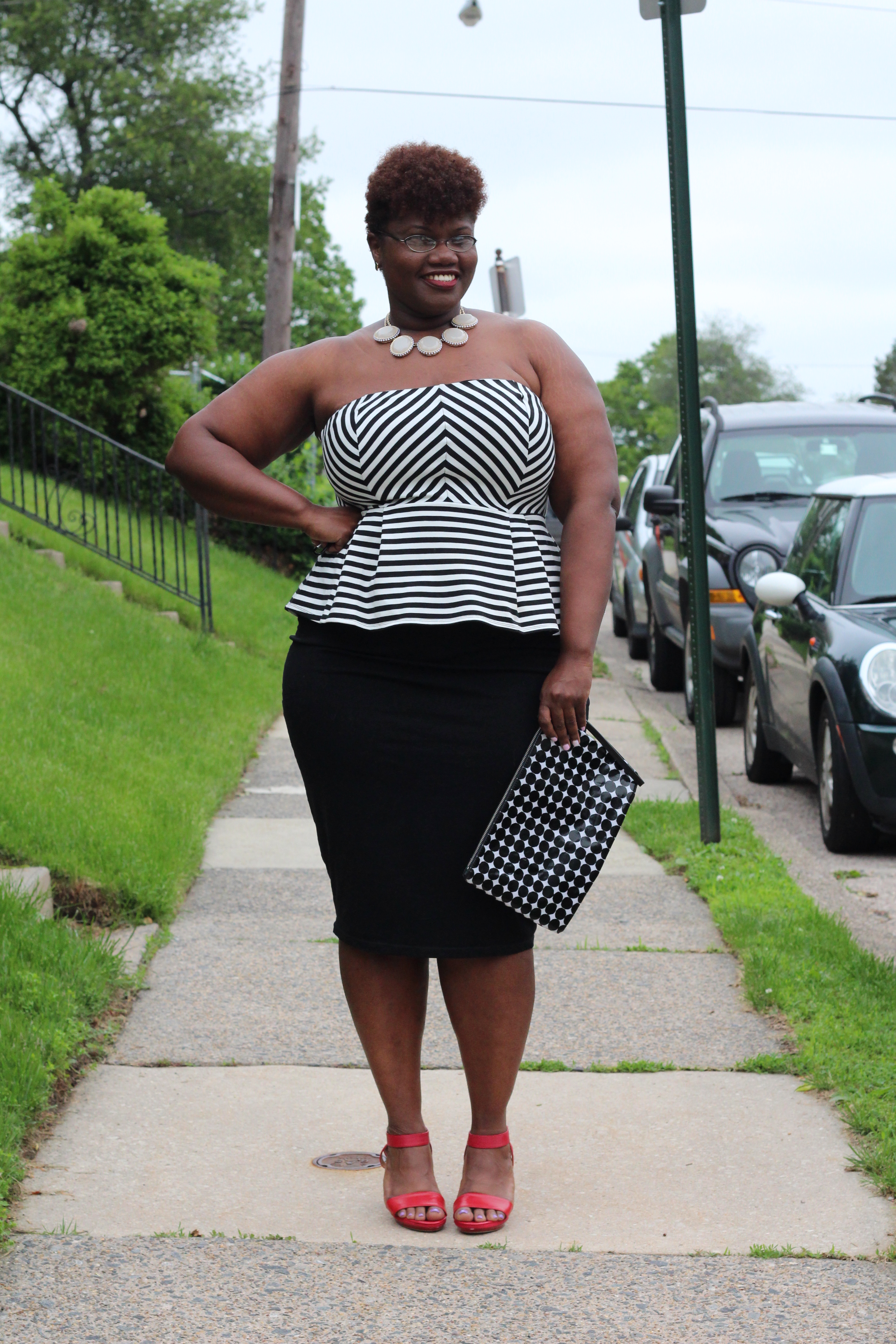 curvy women, curvy girls, forever 21+, forever 21 plus sizes, asos, asos curve, plus size skirts, plus size pencil skirts, nine west, color blocking, black & white, banana republic clutches, clutches, 40+ blogs, black blogs, black curvy blogs, curvy bloggers,