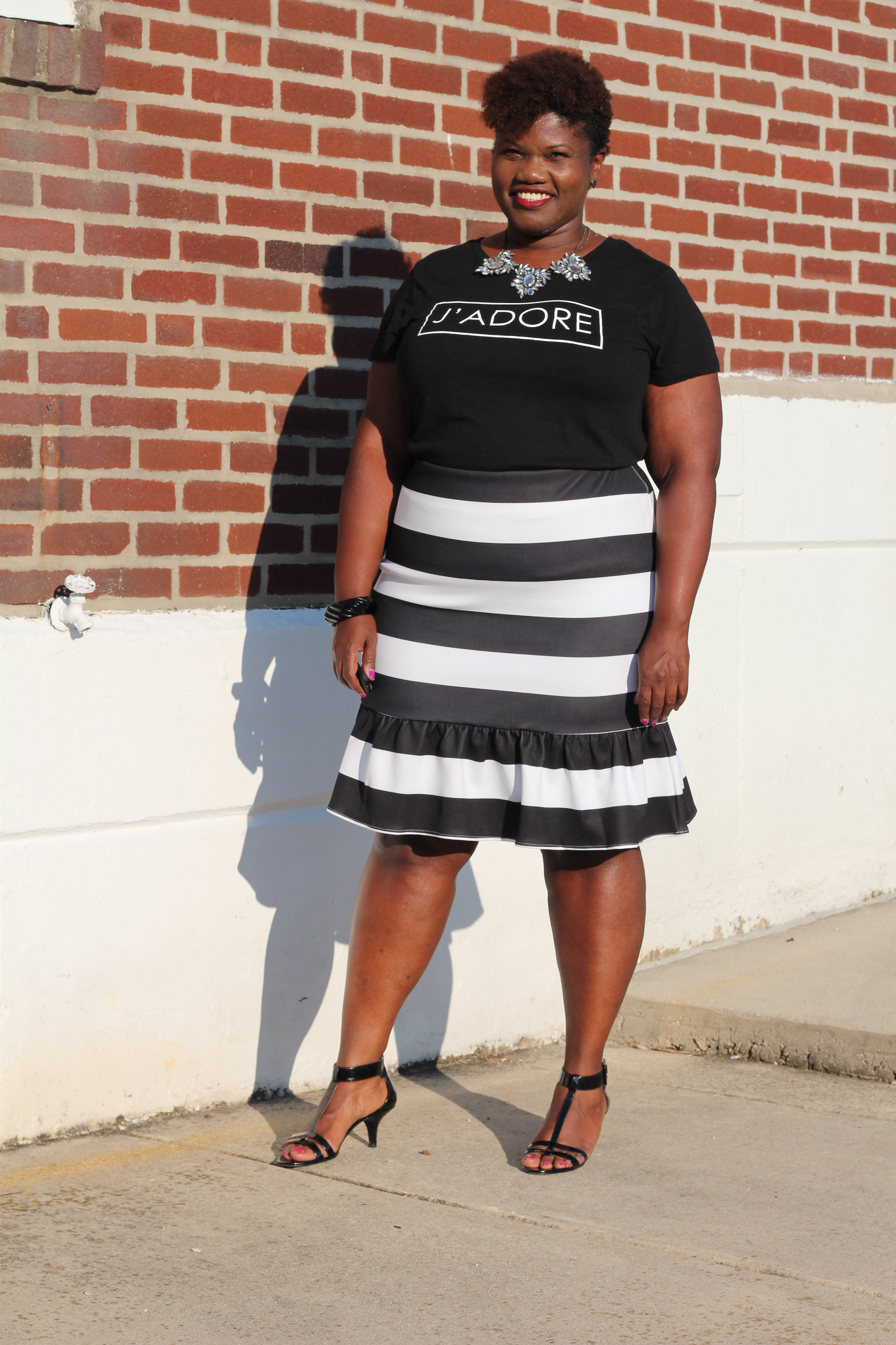 curvy women, curvy, curvy girls, striped skirts, eloquii, plus size fashion, plus size clothing, statement t shirts, old navy, plus size blogs, plus size bloggers, curvy blogs, curvy bloggers, black women blogs, black women style blogs, fat blogs, fat bloggers, fall trends, summer