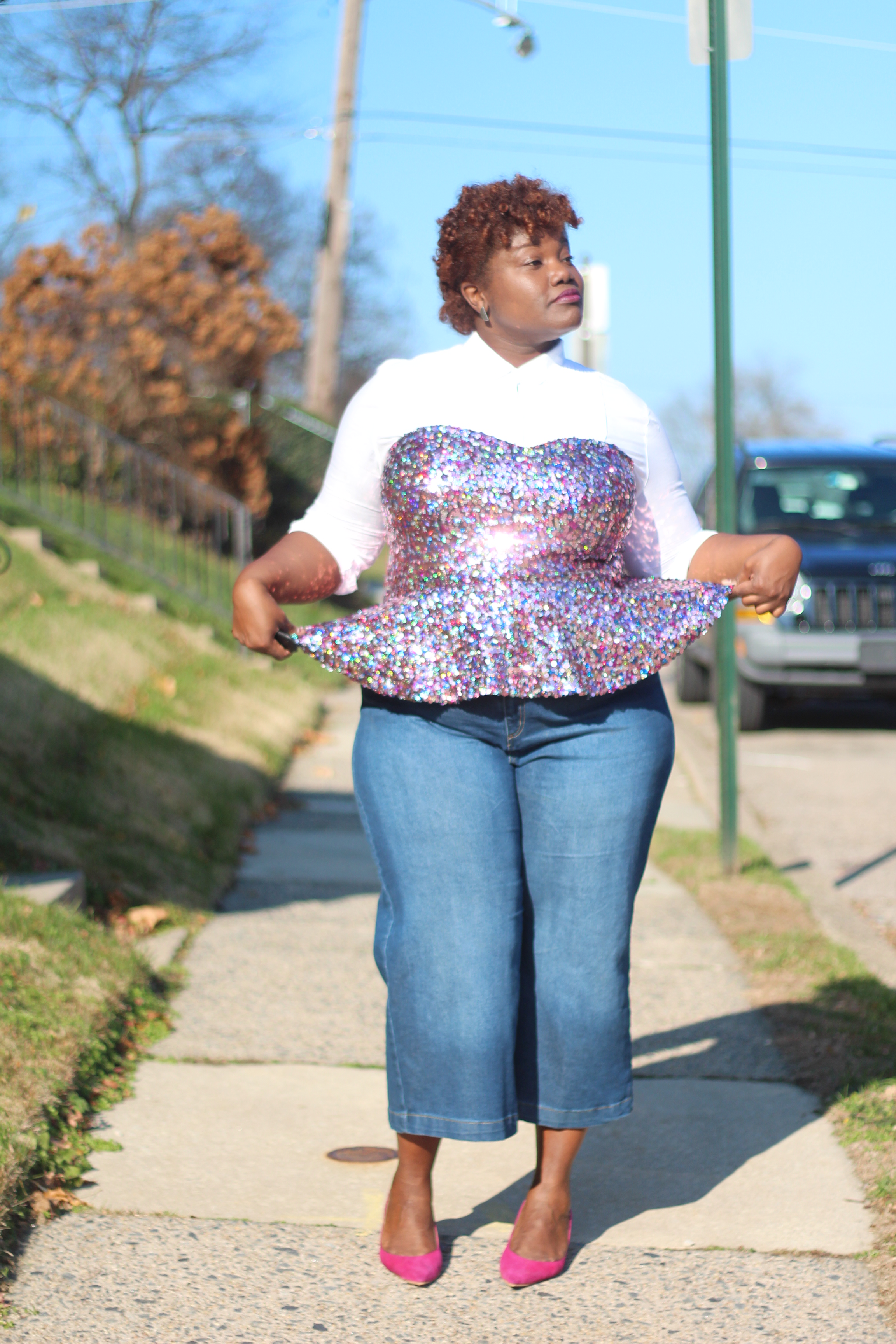 curvy women, curvy girls, holiday style, sequins, sequin bustier, culottes, denim culottes, plus size blogs, plus size bloggers, kitten heels, eloquii, cropped jeans, curvy bloggers, curvy blogs, grown and curvy woman blog,