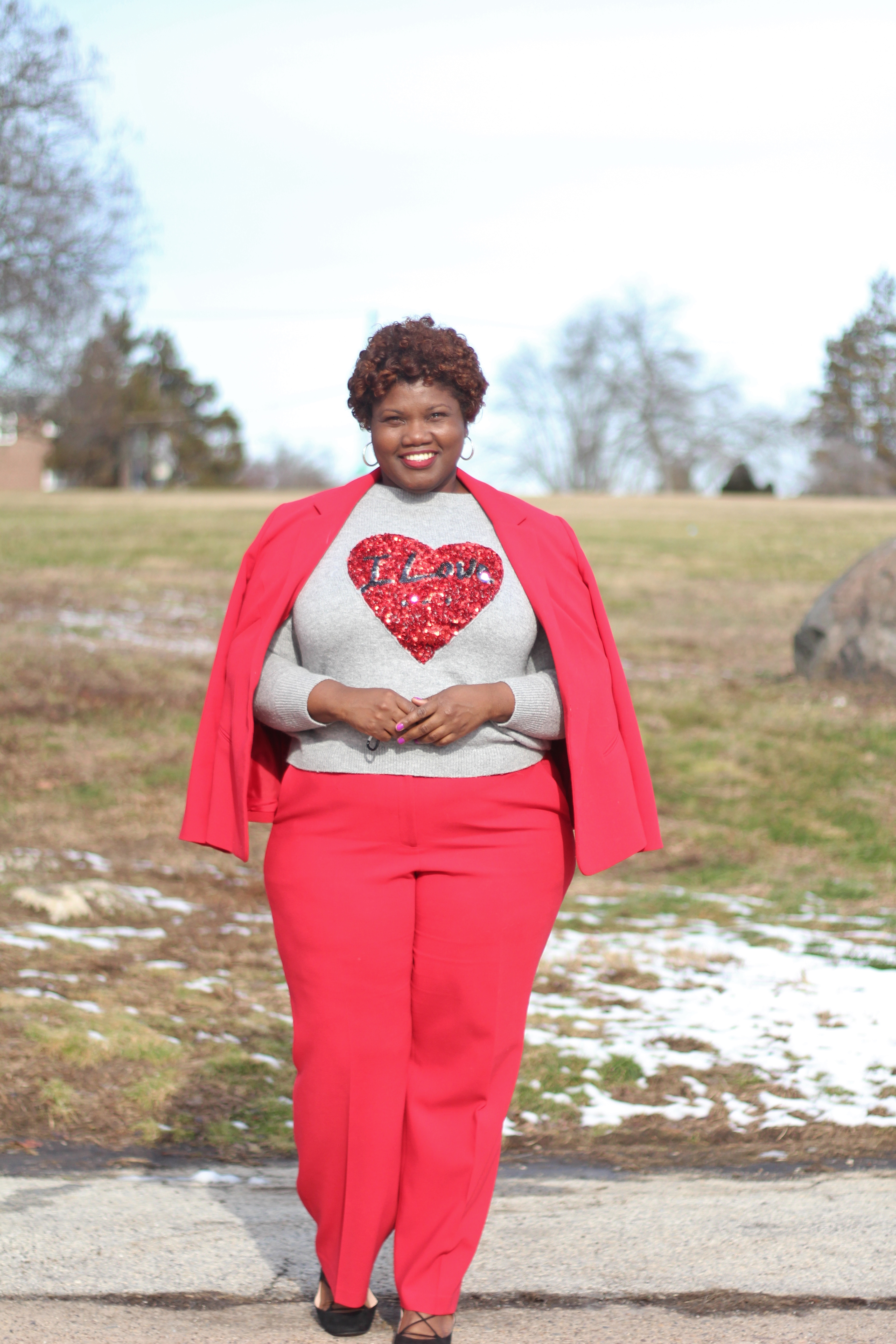 plus size fashion, plus size blogs, plus size bloggers, red suit, plus size suit, sequin, valentines day, red outfit, curvy women, curvy woman, curvy blogs, curvy bloggers