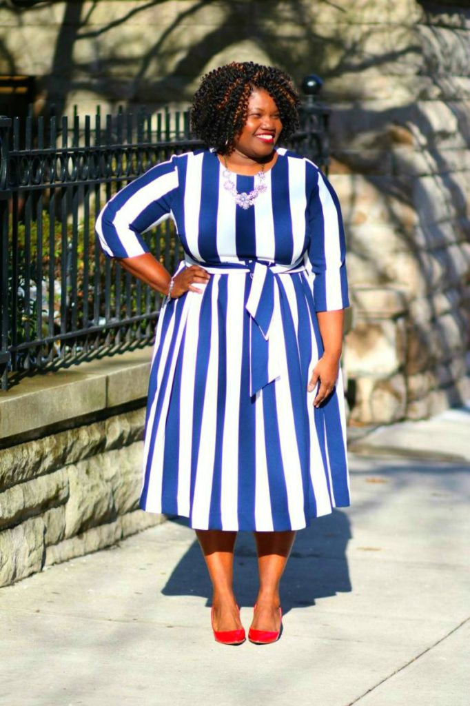 modest dress, midi length dress, stripes, bold stripes, large stripes, plus size dress, plus size dress option,s plus size midi dress, danity jewell's, danity jewell's dresses, plus size, plus size blog, plus size blogger, curvy, curvy women, curvy girls, curvy ladies, curvy nblogs, curvy bloggers, blogs for plus size women