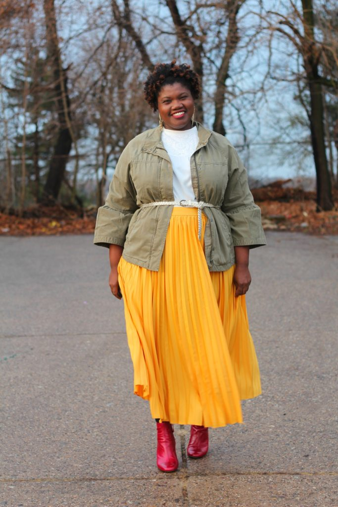 plus size fashion, pleated maxi skirt, plus size pleated skirts, yellow skirts, red ankle boots, zara ankle boots, utility jacket, banana republic utility jacket, puff sleeved utility jacket, puff sleeve jackets, statement sleeve jackets, ankle boots, plus size blog, plus size blogger, lane bryant skirt, lane bryant maxi skirts, curvy women, curvy blogs, curvy bloggers