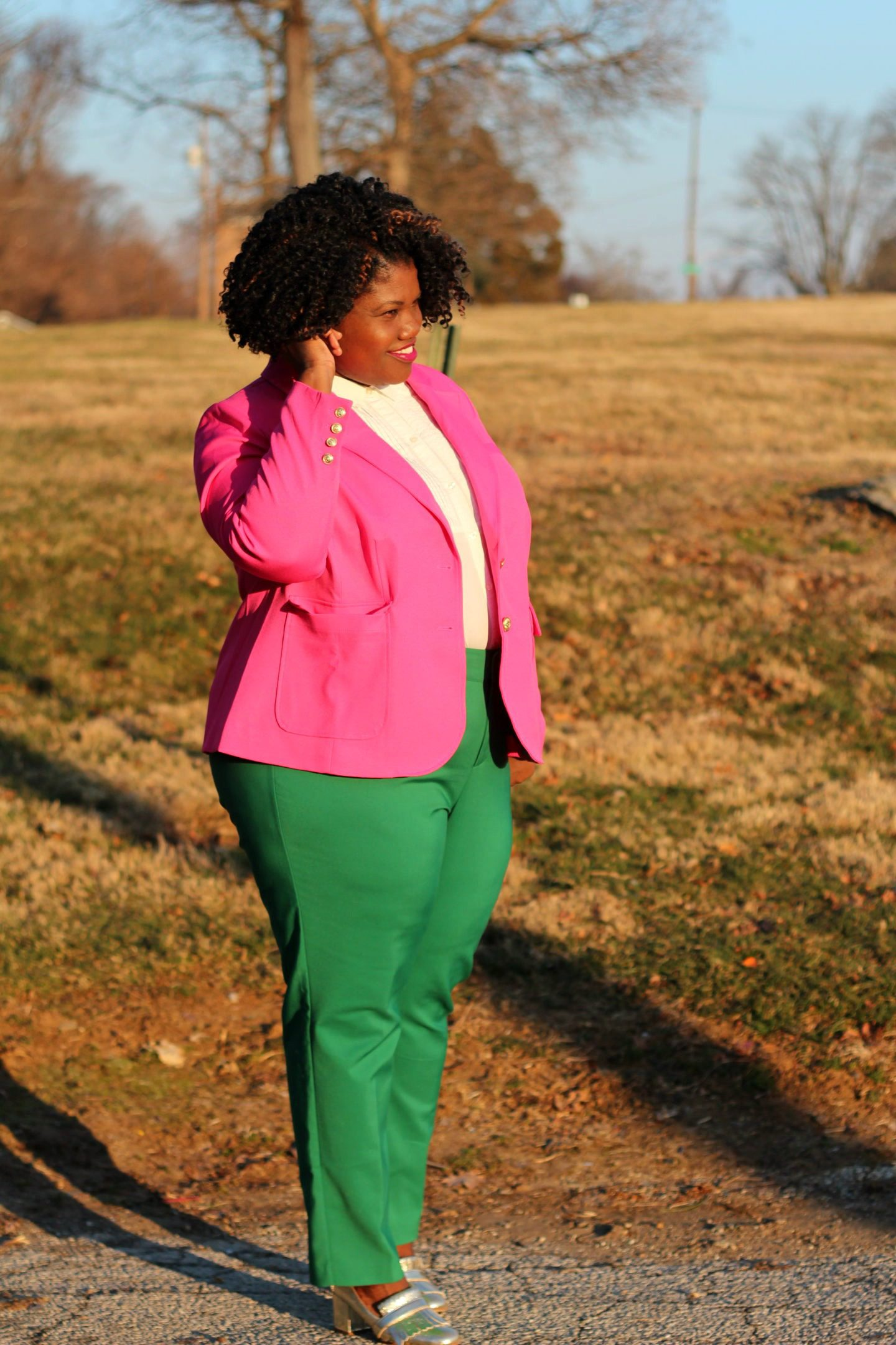 plus size fashion, plus size pants, green pants, kady pants, eloquii pants, eloquii kady pants, blazer, plus size blazer, eloquii, button up shirt, gold loafers, steve madden loafers, block heel shoes, plus size blog, plus size bloggers, curvy, curvy women, curvy girls, curvy blogs, curvy bloggers, spring, winter