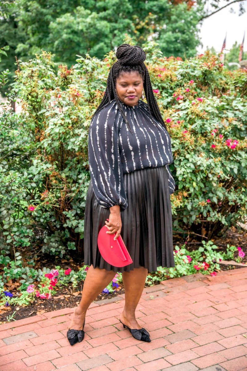 plus size fashion, plus size clothing, pleated skirts, faux leather pleated skirts, plus size pleated skirts, plus size leather skirt, plus size faux leather skirt, mules, zara mules, h&m, balloon sleeve blouse, h&m blouses, statement earrings, plus size bloggers, plus size blogs, curvy, curvy women, curvy girls, curvy bloggers, curvy blogs, blogs for plus size women, plus for women over 40