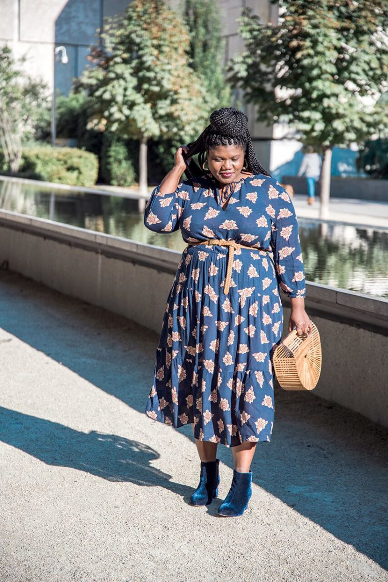 plus size fashion, plus size clothes, plus size clothing, loft, loft dress, midi dress, loft midi dress, below knee dress, velvet ankle boots, eloquill boots, wide width boots, cult gaia arc bag, printed midi dress, curvy, curvy women, curvy blogs, curvy bloggers, plus size blogger, plus size blod